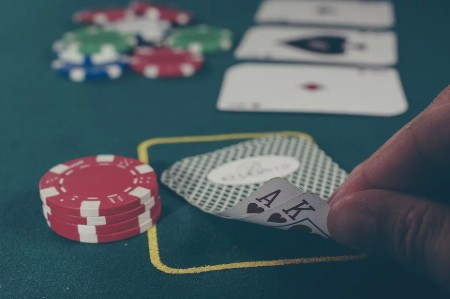 Learn How To Play Blackjack at Play Club Casino